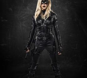 Katie Cassidy como Canario Negro en 'Arrow'