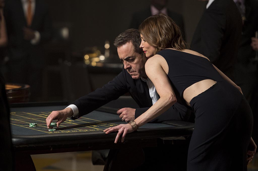 James Nesbitt as DI Harry Clayton and Sienna Guillory as Eve in Stan Lee's Lucky Man (an original British drama for SKY 1) Episode One Photographer: Steffan Hill / © 2015 Carnival Films